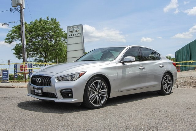 Certified Pre-Owned 2015 INFINITI Q50 Sport Tech