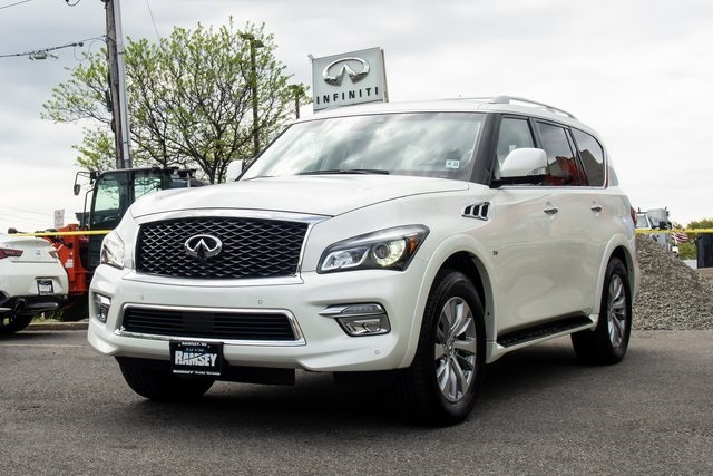 Certified Pre-Owned 2017 INFINITI QX80 Driver Assists package