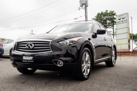 Pre-Owned 2016 INFINITI QX70 Deluxe Touring TECH